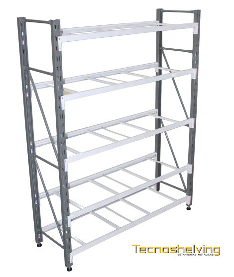 Metal shelvings Metal shelving